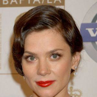 Anna Friel Signs New Pushing Daisies Contract