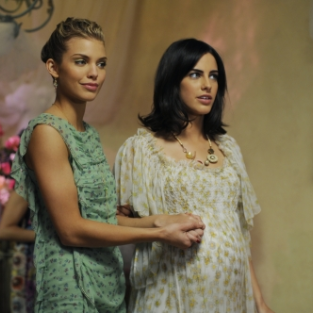 "90210 Recap: ""The Party's Over"""