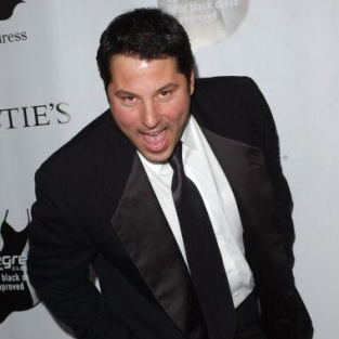 Greg Grunberg Talks About Writers Strike, Heroes Episodes