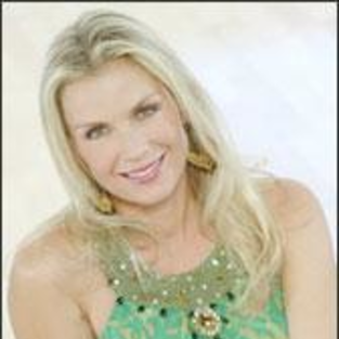 Happy Birthday, Katherine Kelly Lang and Bobbie Eakes!