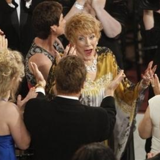 Jeanne Cooper Reacts to Emmy Win, Show Success