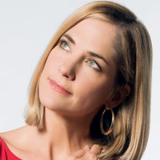 Kassie DePaiva Interviews Hillary B. Smith