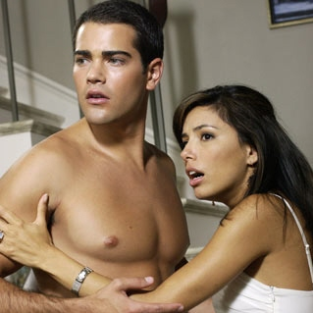 "Jesse Metcalfe Previews ""New Love Triangle"" on Desperate Housewives"