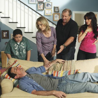 "Modern Family Recap: ""Come Fly With Me"""