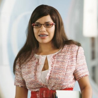 "Ugly Betty Preview: ""Blue on Blue"""