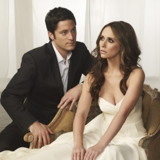 "The Ghost Whisperer Review: ""Dead Listing"""