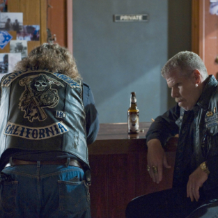 "Sons of Anarchy Review: ""Service"""