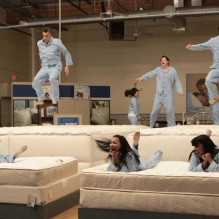 "Glee Review: ""Mattress"""