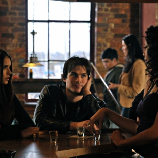 "The Vampire Diaries Review: ""Bloodlines"""