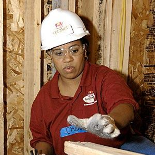 Chandra Wilson Lends a Hand to Habitat