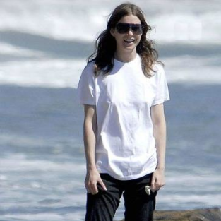 Ellen Pompeo Takes a Stroll on the Beach