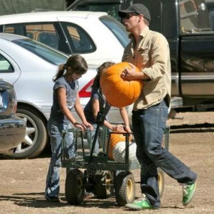 Justin Chambers, Children Pick Out Pumpkins