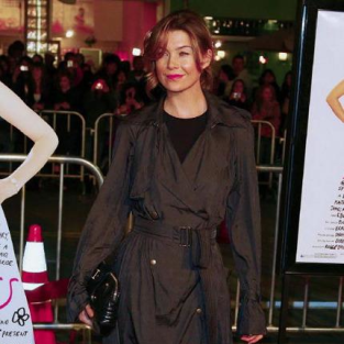 Ellen Pompeo at Premiere of 27 Dresses
