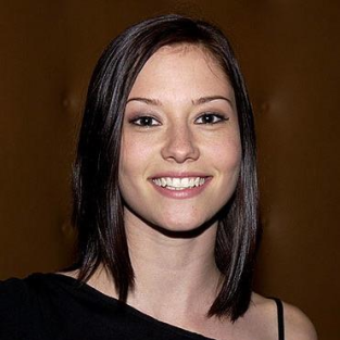 Chyler Leigh Teases Transitional Grey's Anatomy Season Ahead
