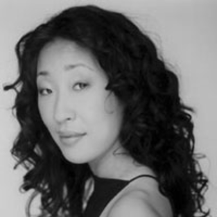Theater Group Honors Sandra Oh