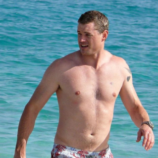 Eric Dane. Shirtless.