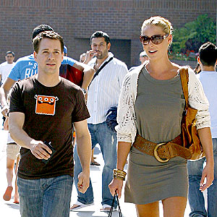 Katherine Heigl and T.R. Knight Talk Shop(ping)