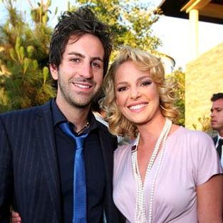 Josh Kelley Stays Out of Katherine Heigl's Way