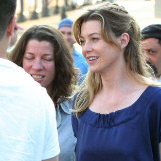 Ellen Pompeo: Smiling in Seattle