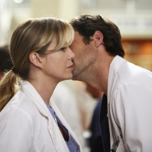 Grey's Anatomy Spoilers: Meredith and a Bisexual Intern?