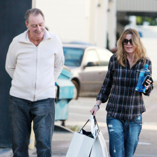 Ellen Pompeo Shops with Dad