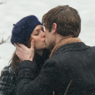Gossip Girl Spoilers: Nate and Blair Kissing!