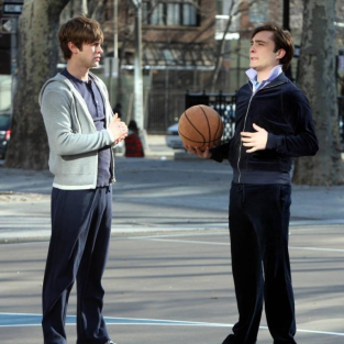 Ed Westwick, Chace Crawford Hoop it Up