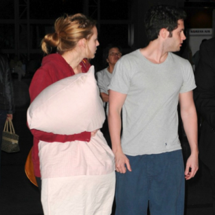 Penn Badgley and Blake Lively: Off to Thailand