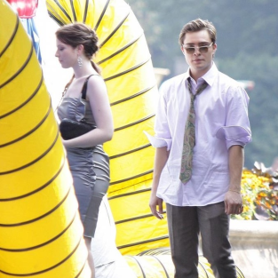 Leighton Meester, Ed Westwick on the Gossip Girl Set