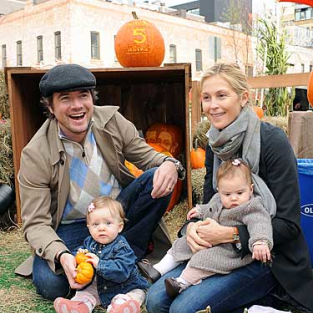 Matthew Settle, Kelly Rutherford Play with the Kids