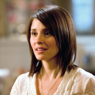 "Life Unexpected Review: ""Storm Weathered"""
