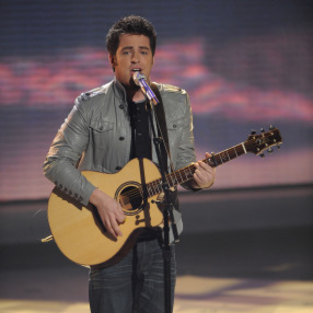 American Idol Review: Lee and Big Mike Stand Out