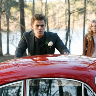 "The Vampire Diaries Round Table: ""Miss Mystic Falls"""