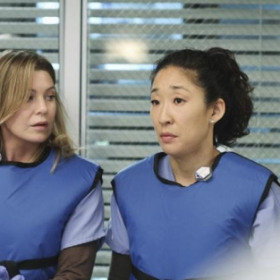 "Grey's Anatomy Episode Stills: ""How Insensitive"""