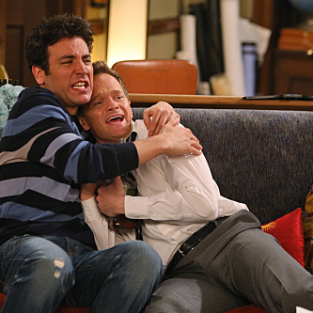 "How I Met Your Mother Review: ""Twin Beds"""