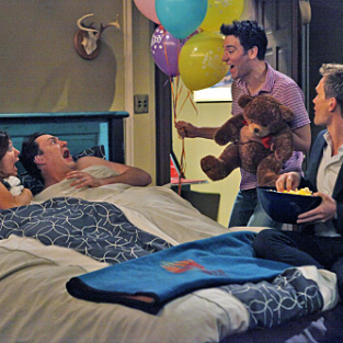"How I Met Your Mother Season Finale Review: ""Doppelgangers"""