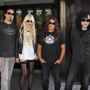 Spotted: Taylor Momsen, Pretty Reckless in NYC