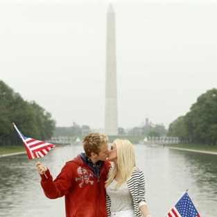 Heidi Montag and Spencer Pratt Embrace in Washington, D.C. (Blog and Photo Caption Deemed Unnecessary)