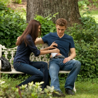 The Vampire Diaries Season Two Premiere Pics: Released!