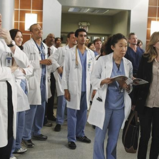 "Grey's Anatomy Season Seven Premiere Pics: ""With You I'm Born Again"""