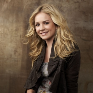 Exclusive Interview: Brittany Robertson on a Settled-In Lux