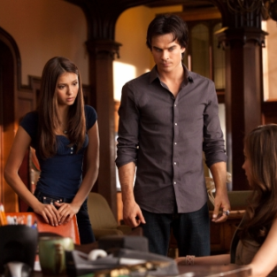 "The Vampire Diaries Music: ""Bad Moon Rising"""