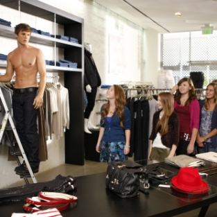 "90210 Instant Reaction: Sound off on ""How Much is That Liam in the Window"""