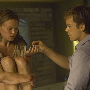 EXCLUSIVE: Julia Stiles Dishes on Dexter