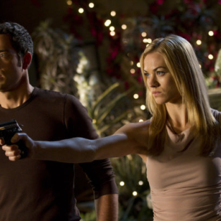 "EXCLUSIVE: Yvonne Strahovski Previews ""Unexpected Turns"" on Chuck"