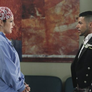 TV Ratings Reports: Grey's Tops Reruns
