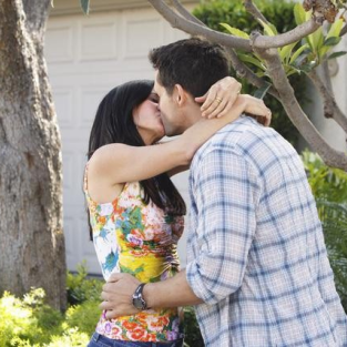 "Cougar Town Review: ""No Reason To Cry"""