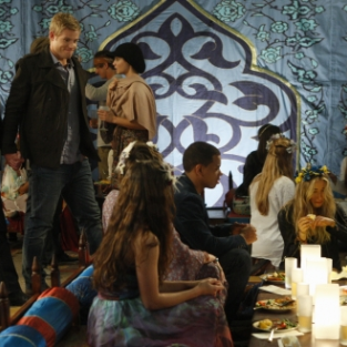 90210 Review: Cheating, Lying, Blackmailing