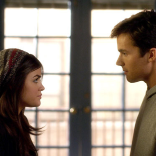 "Pretty Little Liars Clip Teases ""Something Bad"" Between Aria and Ezra"