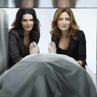Rizzoli & Isles Renewed for Season 3!